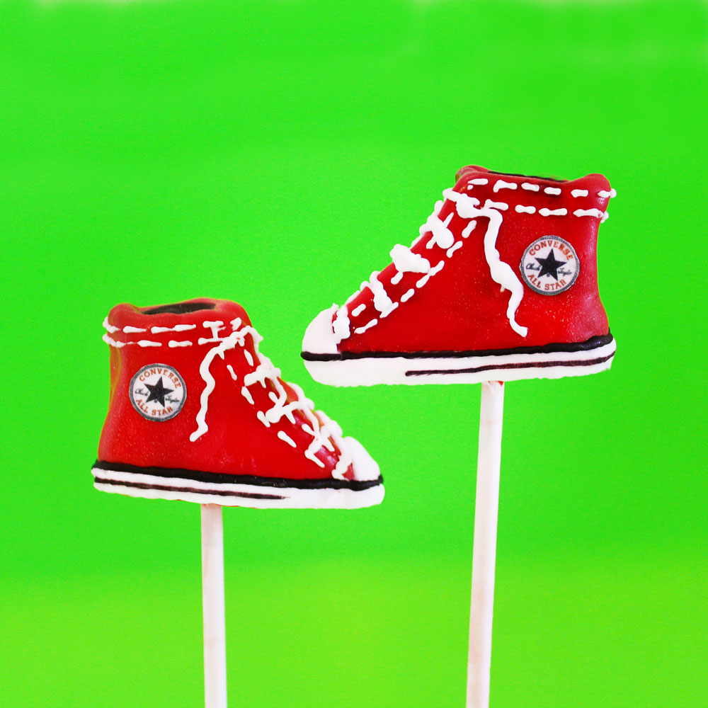 converse-cake-pops-red-web