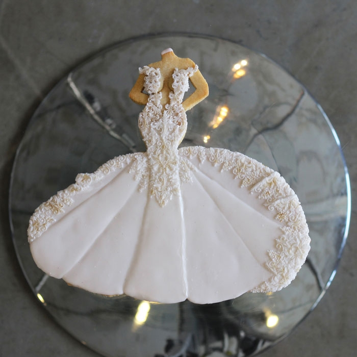 luxury-elegant-wedding-bridal-cookies-bride-full-dress-nina-bakes-cakes-web